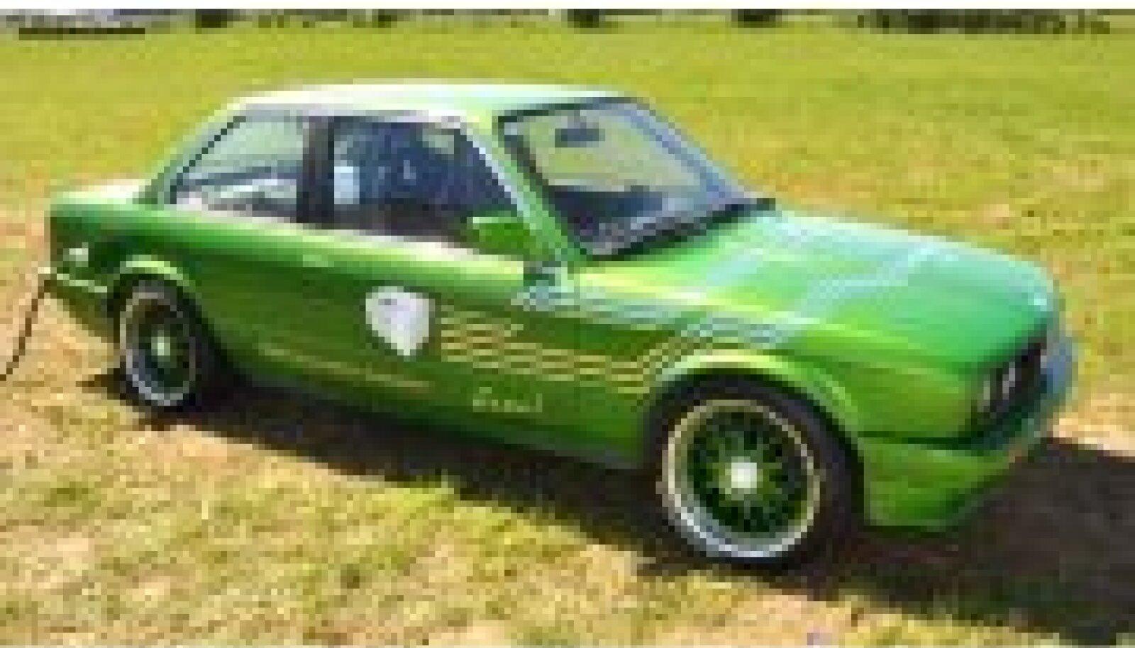 VST Conversions BMW bi-moto EV pistikusse pistetuna