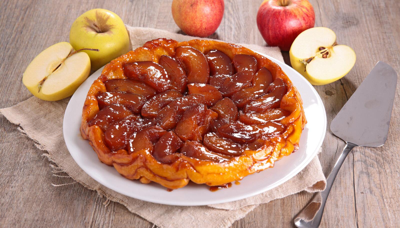 Tarte Tatin ehk tagurpidi õunakook on klassikaline näide sellest, kuidas ühest köögiapsust sünnib legendaarne uudisroog
