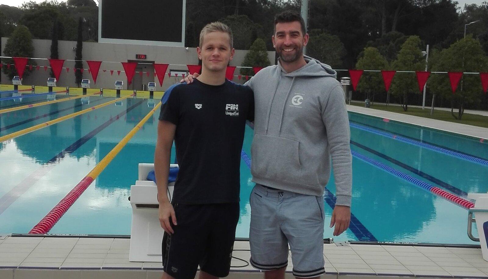 Kregor Zirk koos klubi peatreeneri James Gibsoniga