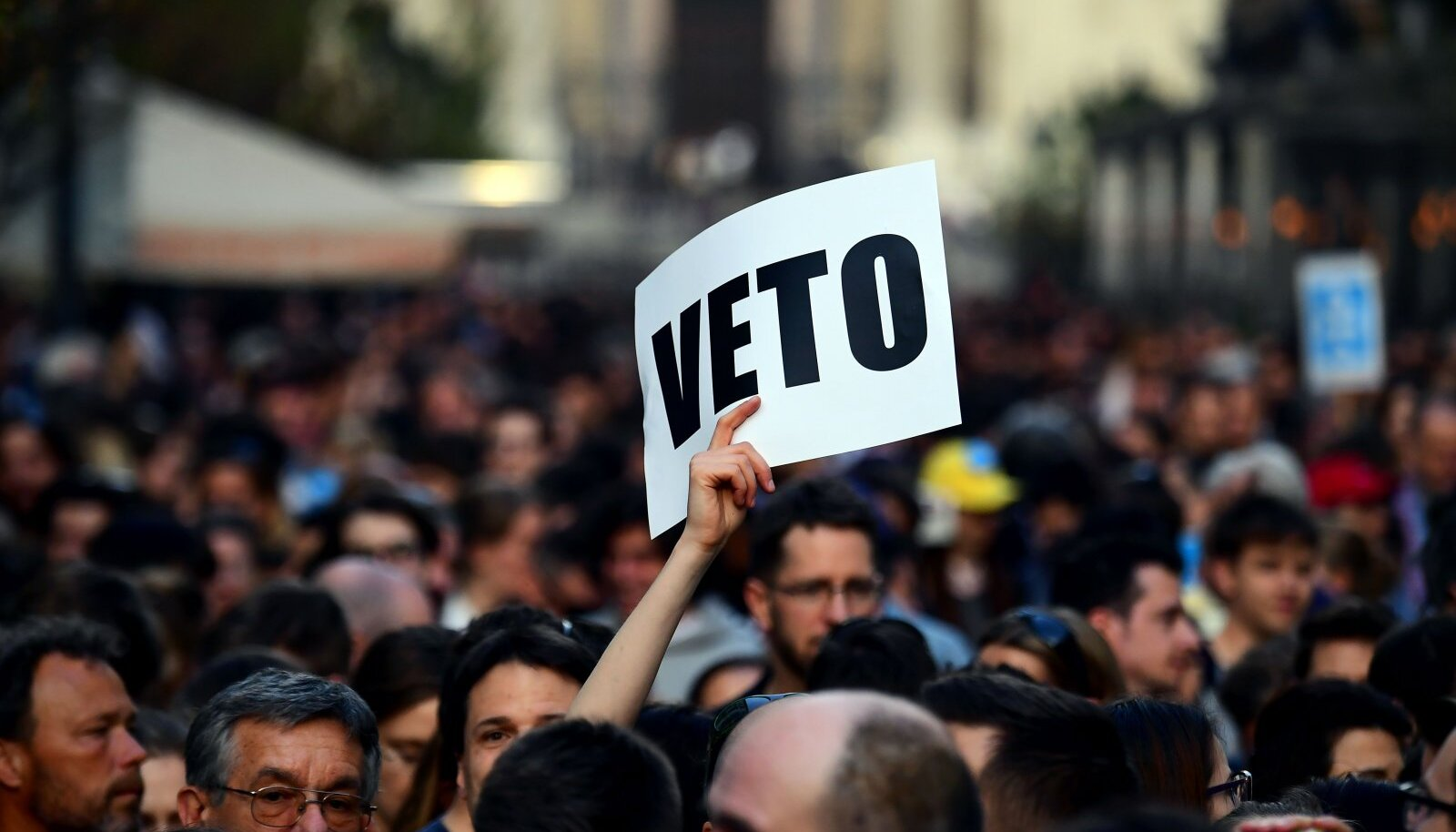 Teisipäevane meeleavaldus ülikooli ees