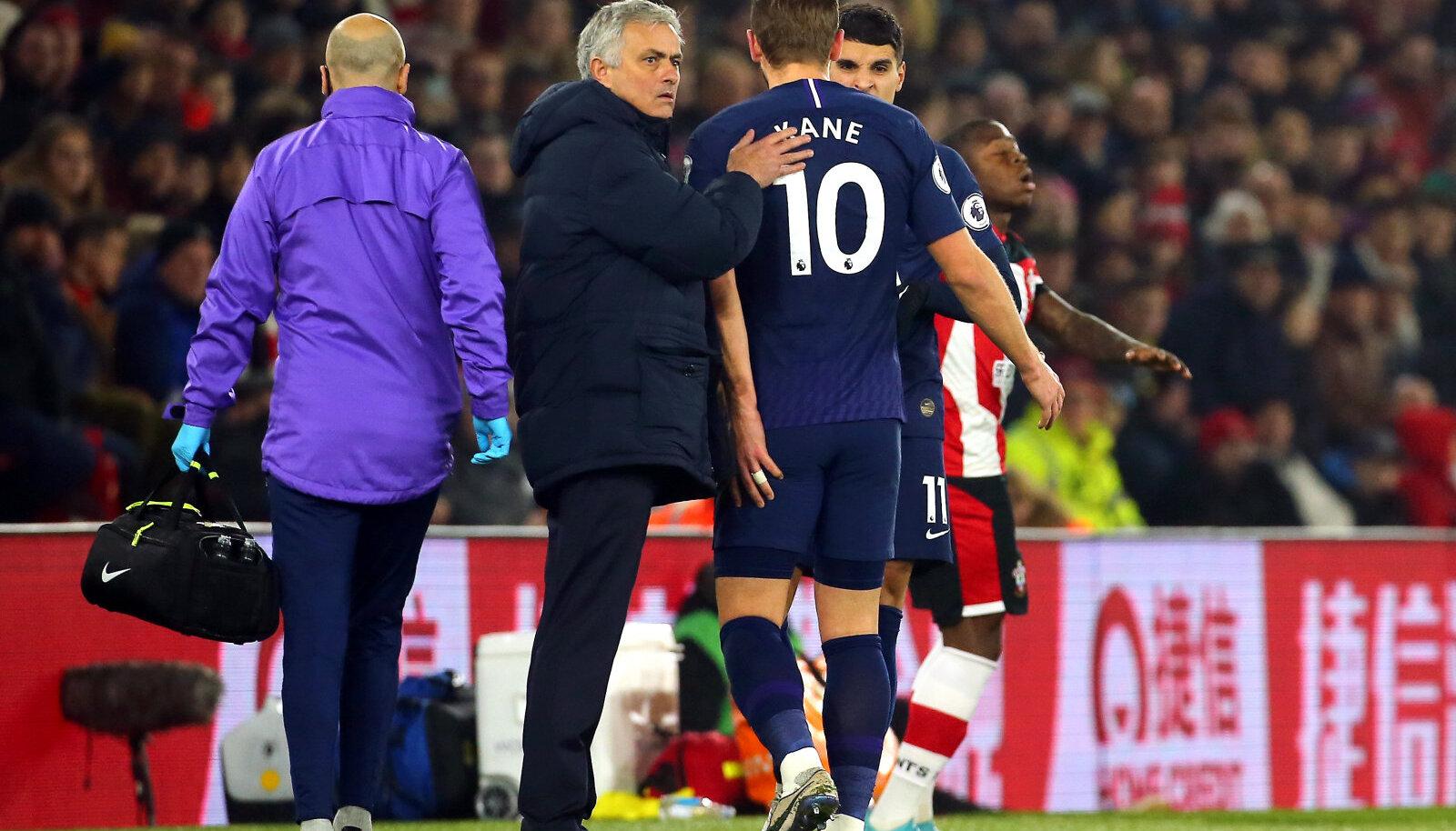 Jose Mourinho ja Harry Kane