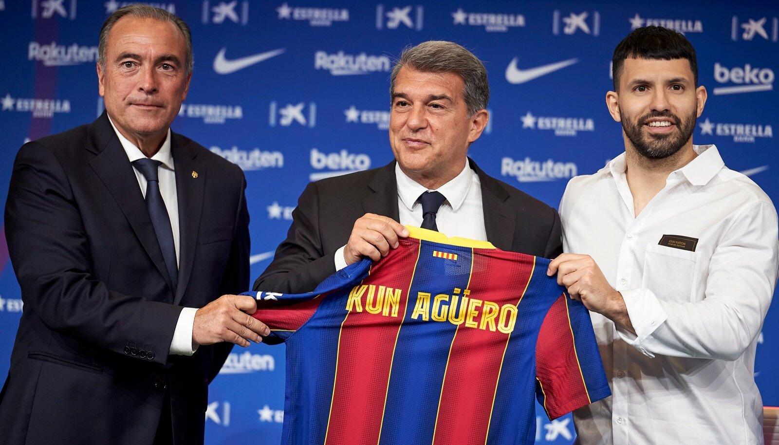 Sergio Agüero (paremal) on nüüdsest FC Barcelona mängija.