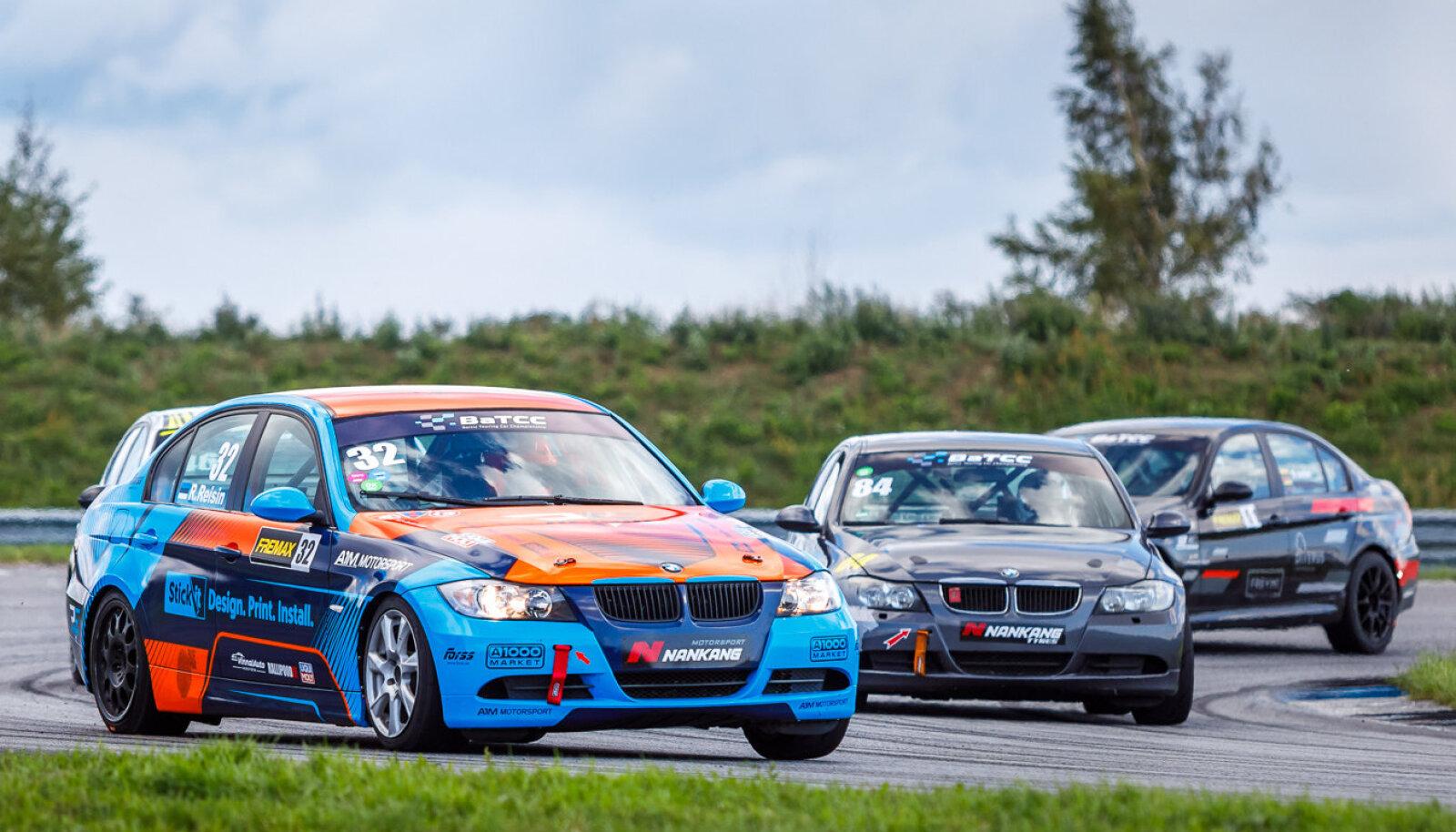 Fotol Porsche Ringil toimunud eelmisel etapil sõitev Romet Reisin (esiplaanil) oli Leedus eestlastest parim.