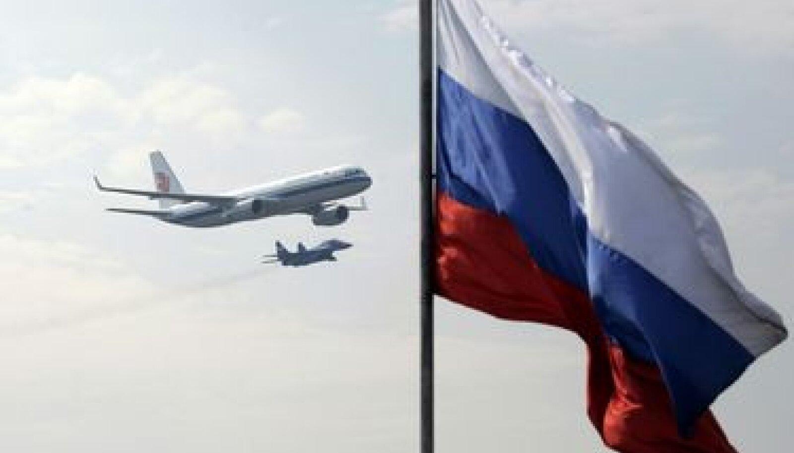 Lennukid Tu-204 ja MiG-29 Vene lennundusnäitusel MAKS'2007.