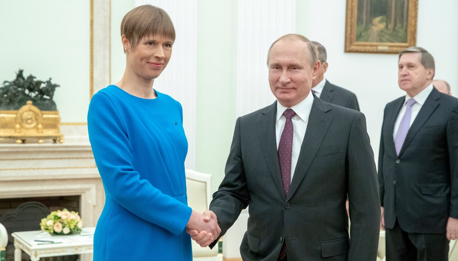 """""""Paljudele tundub ka praegune artikkel Putini hoiatusena: kui te ei taha teha nagu Putin, siis ta teeb seda ikka, nagu ise tahab. Mida ta teeb ja kas ta võtab mingeid dramaatilisi samme ette, me ei tea. Kuid ei saa välistada võimalust, et ta alustab uuesti sõjategevust Ukrainas või võtab midagi ette Norrale kuuluval Spitzbergeni saarel või Gotlandil või Narvas,"""" sõnas von Eggert Eesti Päevalehele."""