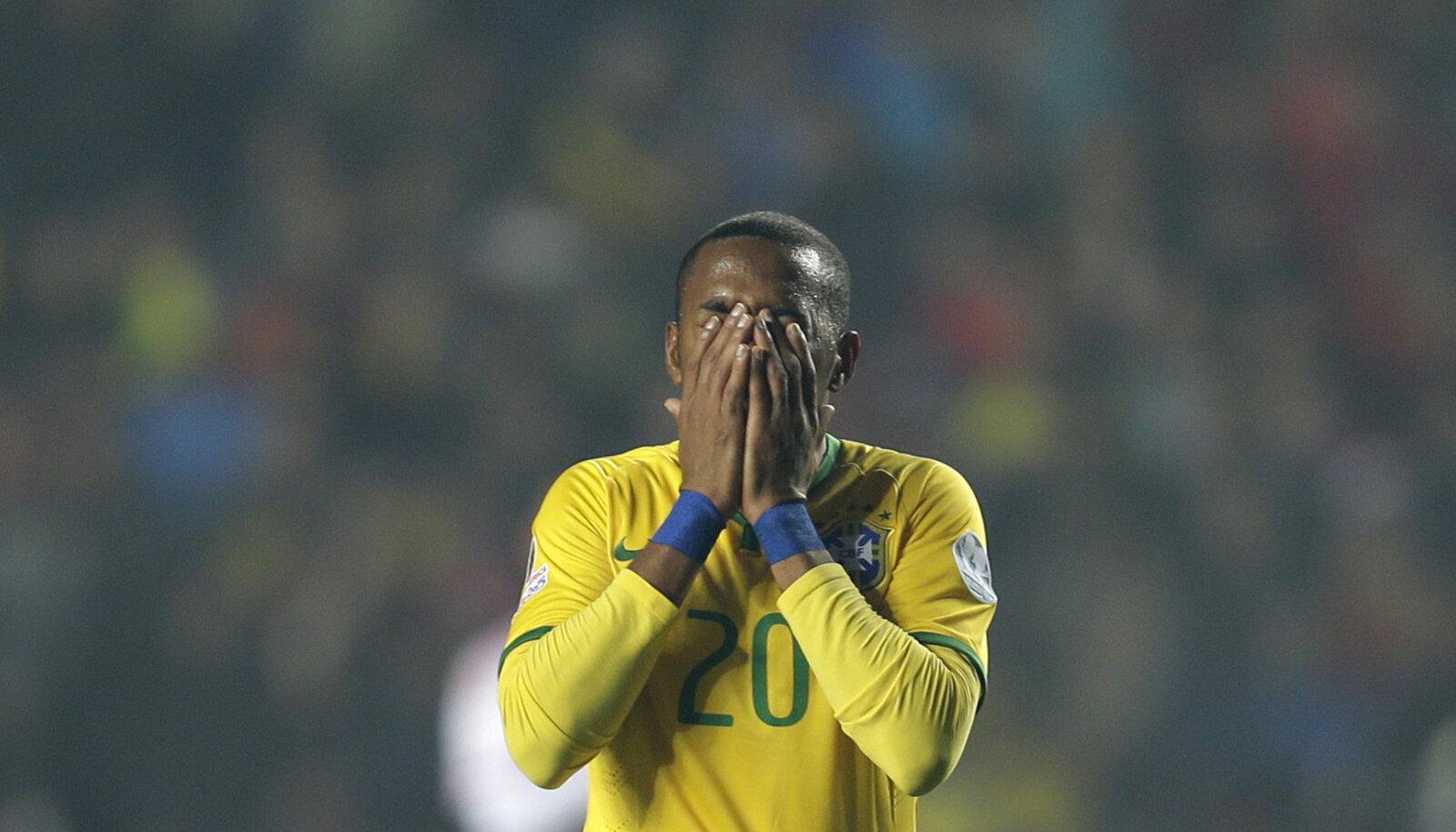 Robinho 2015. aastal Brasiilia koondise särgis.