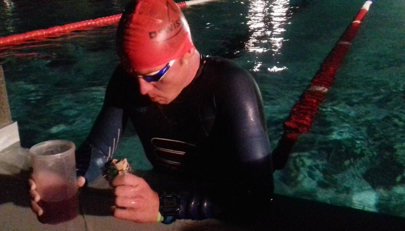 Rait Ratasepp 30 km ujumisdistantsi läbides