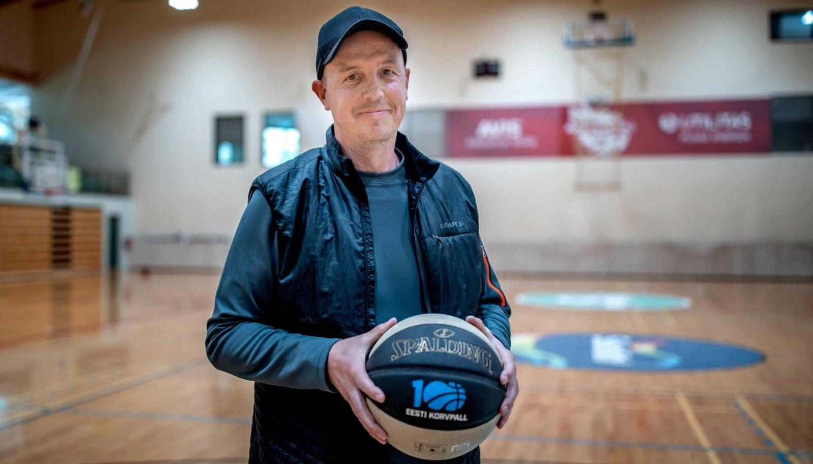 Indrek Ruut on mänginud korvpalli ligi 40 aastat ja unistab, et saab oma südame nii korda, et võiks töötada korvpallitreenerina.
