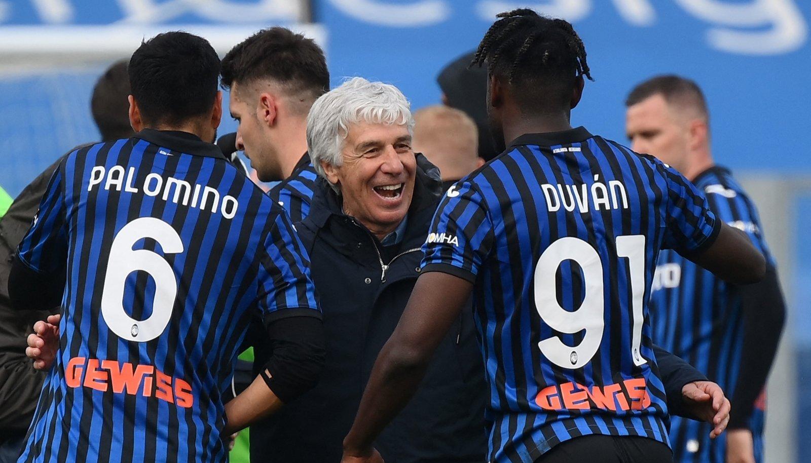 Atalanta mängumehed rõõmustamas Juventuse alistamise üle.