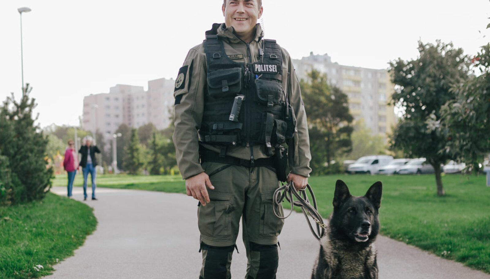 Politseikoer Tiit koos juhiga
