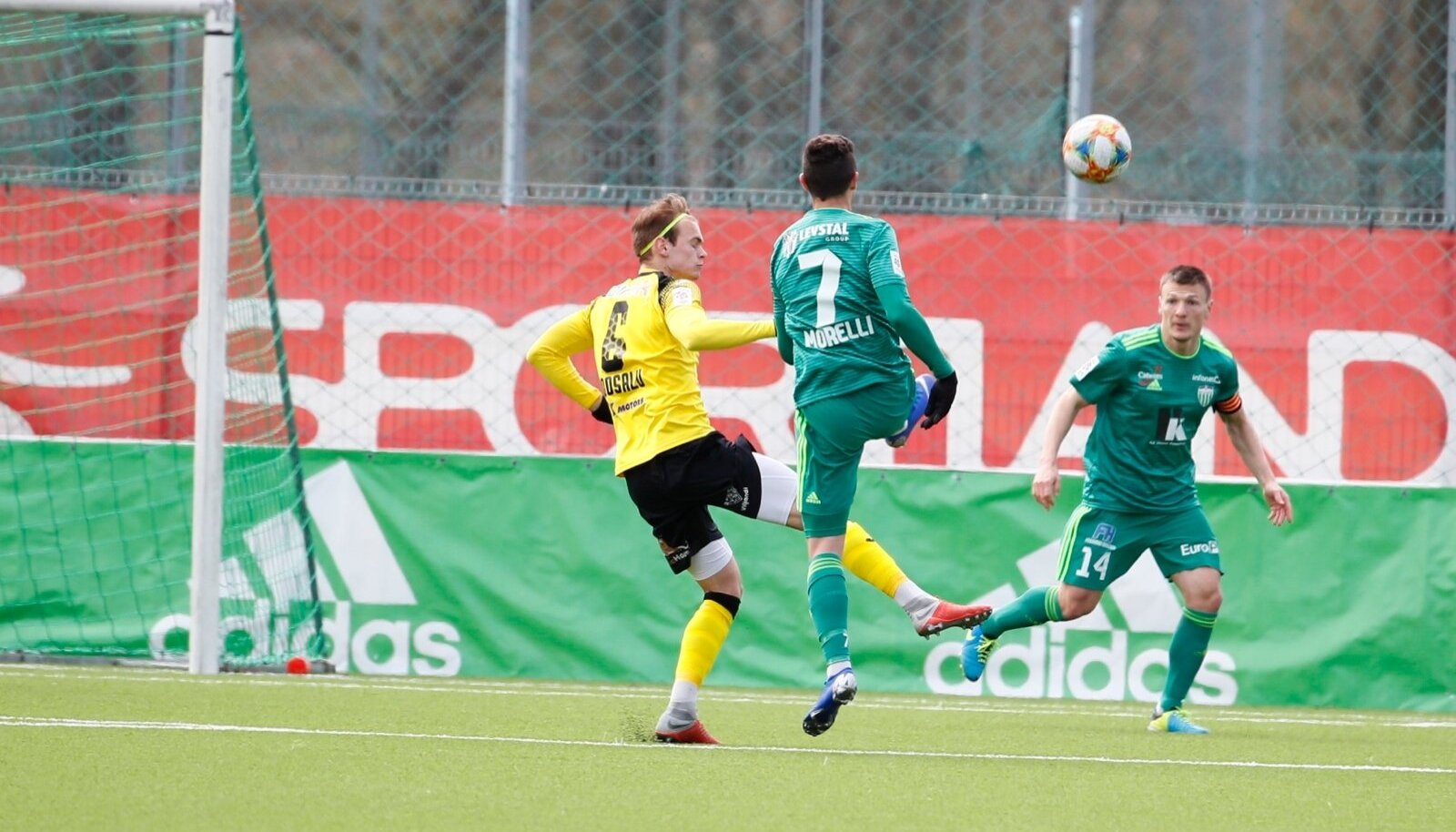 Dmitri Kruglov (nr 14) Sportland Arenal mängus Viljandi Tuleviku vastu.