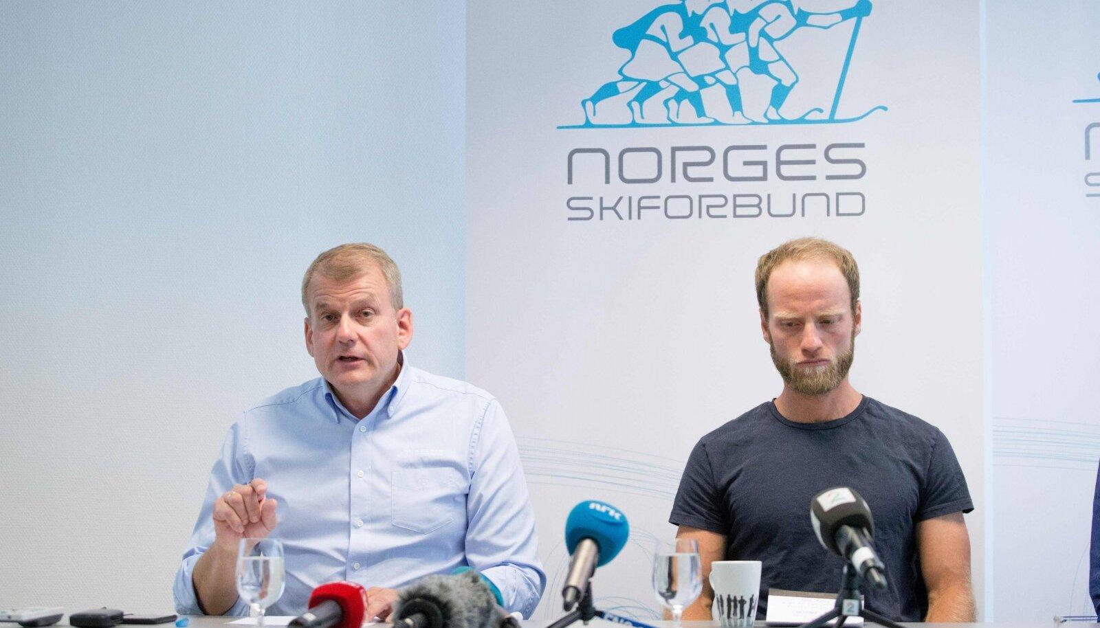 Erik Røste (vasakul) ja Martin Johnsrud Sundby 2016. aastal Sundby dopinguskandaali ajal