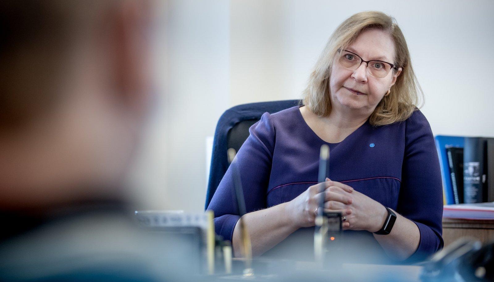 Justiitsminister Maris Lauri sõnul peaks kohtupidamine olema võimalikult avalik ja toimuma kinniste uste taga ainult erandjuhtudel.