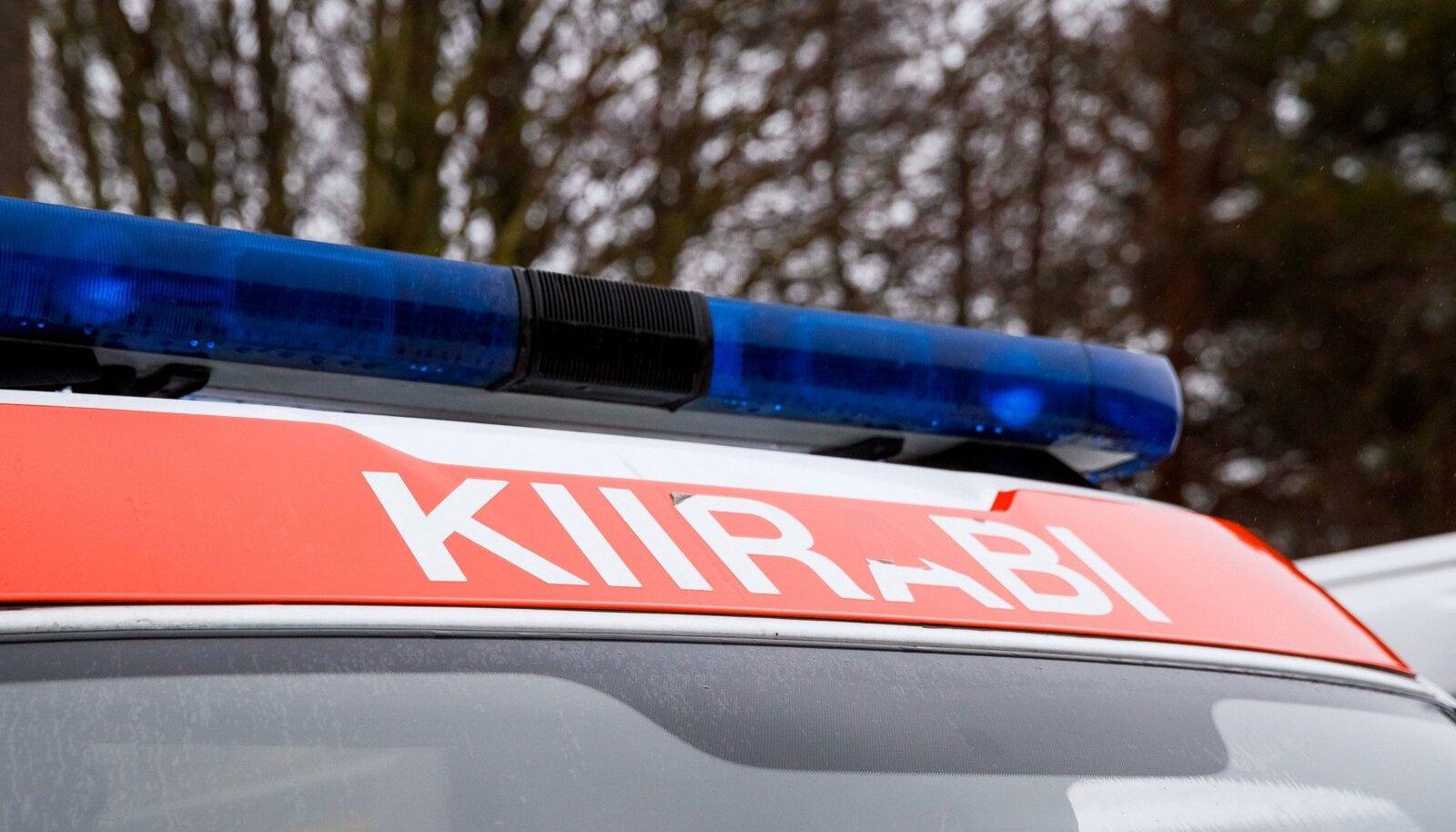 Kiirabi viis lapsed õnnetuspaigalt haiglasse (pilt on illustratiivne).