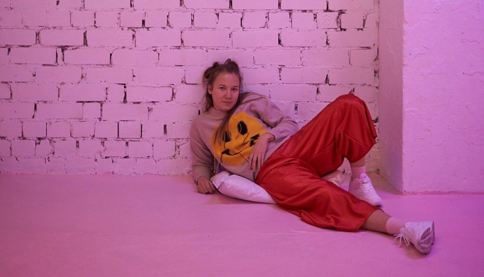 Koreograafist etenduskunstnikku Karolin Poskat inspireerisid lavastust looma just argirituaalid.
