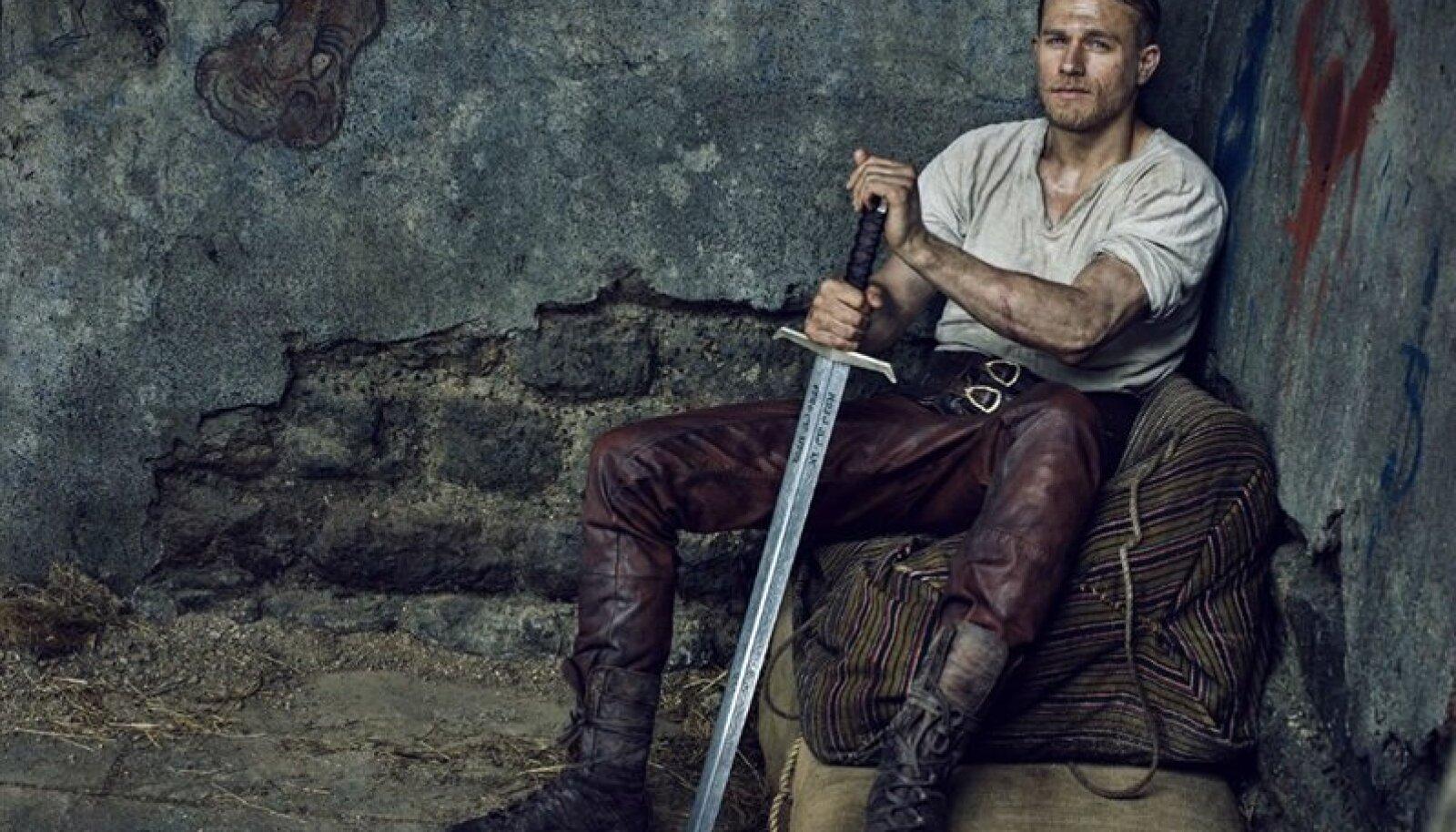 """""""Kuningas Arthur: Mõõga legend"""" (""""King Arthur: Legend of the Sword"""", 2017)"""