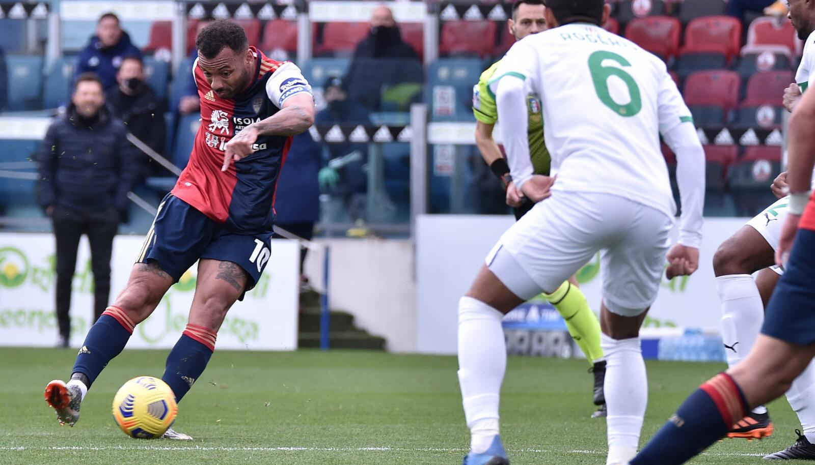 Joao Pedro (vasakul) viis Cagliari juhtima, kuid võiduks sellest ei piisanud.