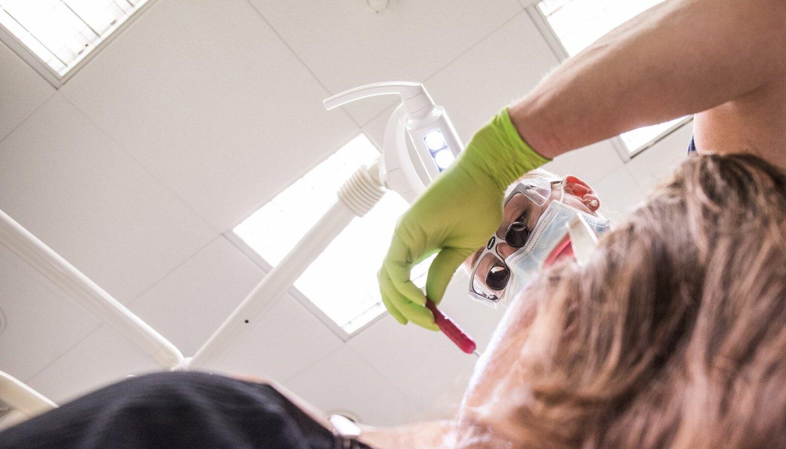 Patsient hambaarsti juures