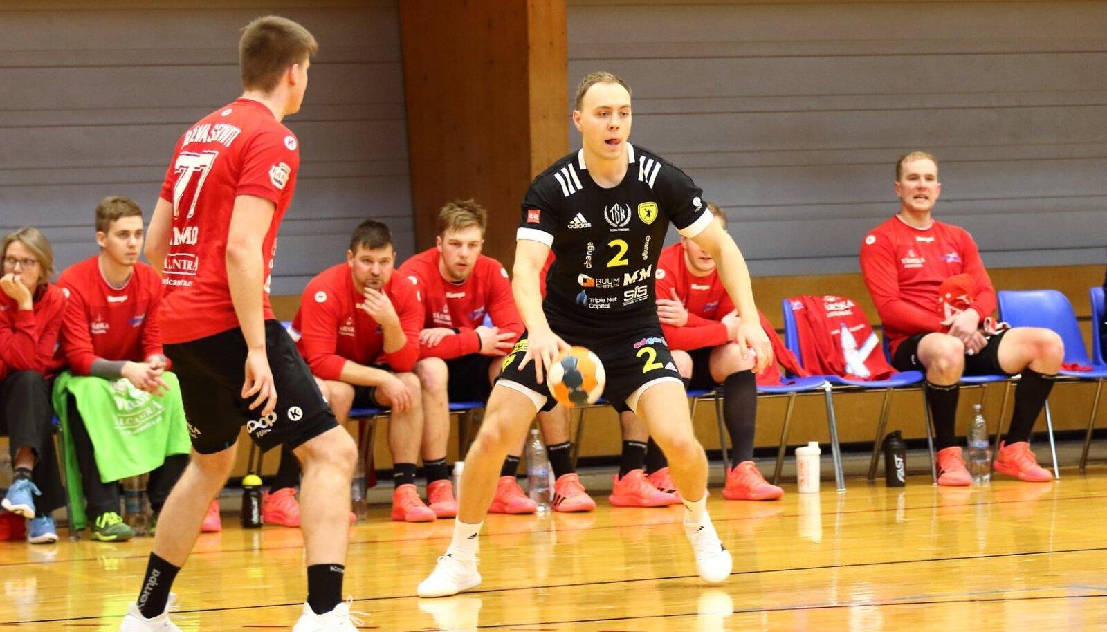 Eesti liigasse naasnud Jesper Bruno Bramanis (palliga) tegi Tallinna särgis vähemalt skoori mõistes seni parima mängu, visates Tapa vastu kuus väravat.