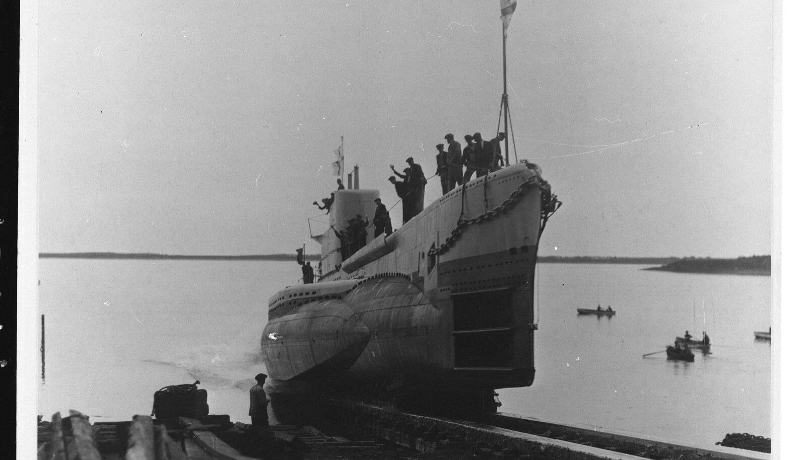 Mõni aasta varem oli Eesti kaitsevägi saanud endale uue allveelaeva Lembit. 1940. aastal läks ta Punaarmee lipu alla.