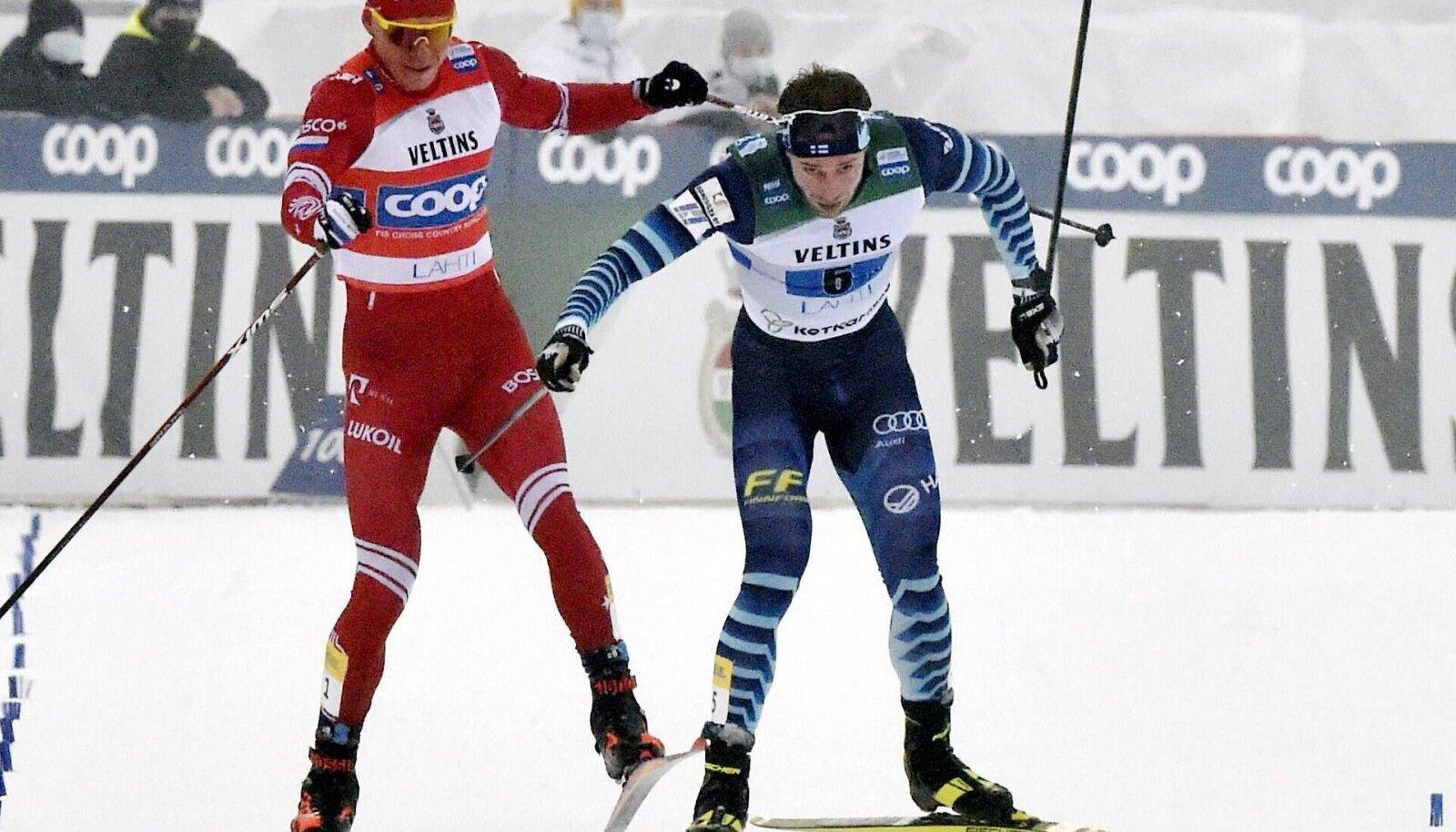 Aleksandr Bolšunov ja Joni Mäki lõpuheitluses