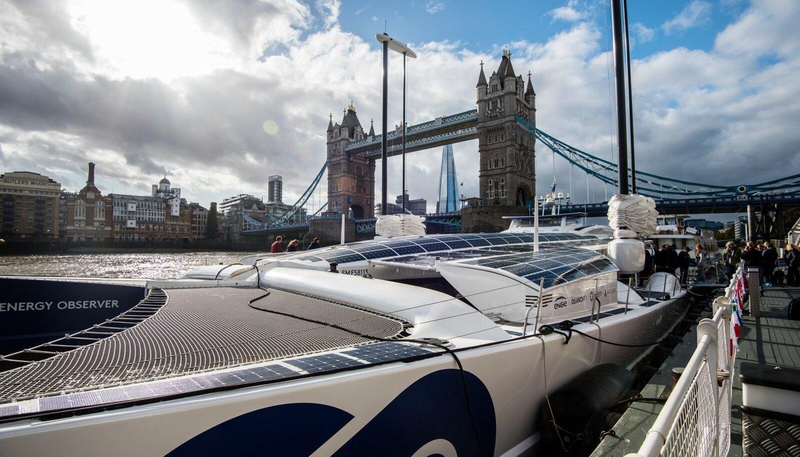 Londoni ajaloolise Toweri silla kõrval sadamas peatus katamaraan Energy Observer. Tegemist on täiesti autonoomse sõiduriistaga, mis ei vaja välist kütust.