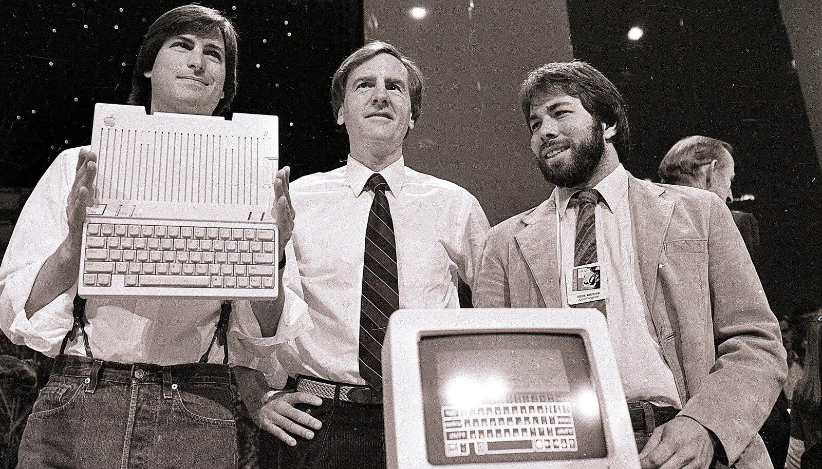 Apple'i kaasasutaja Steve Jobs, Apple'i tegevjuht John Sculley ja kaasasutaja Steve Wozniak tutvustasid 1984. aastal maailmale Apple Macintoshi.