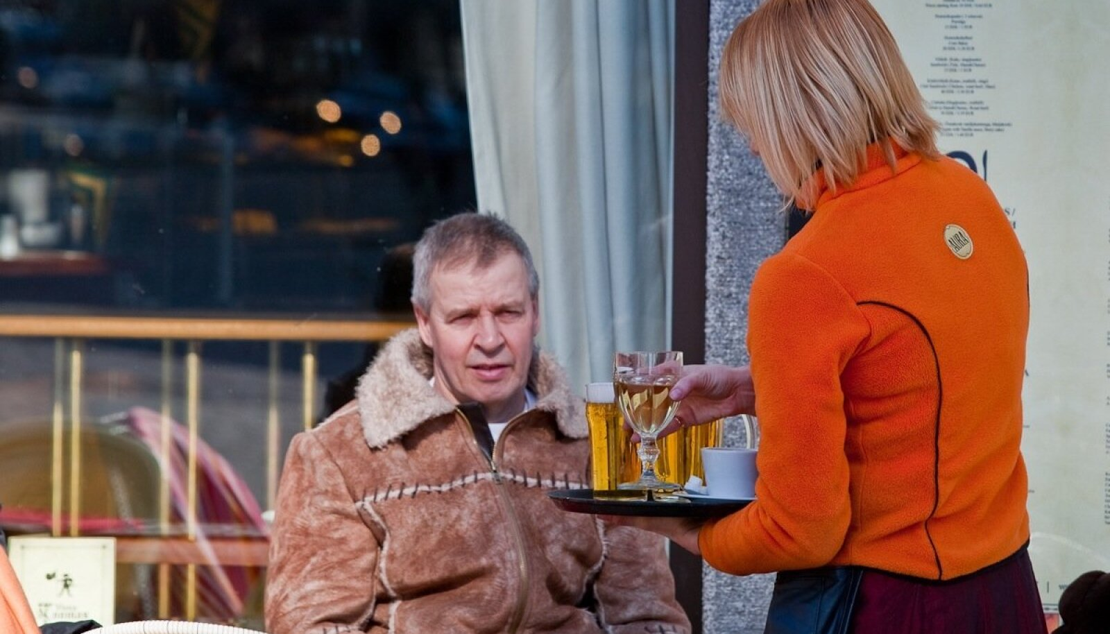 Ettekandja Tallinna raekoja platsil