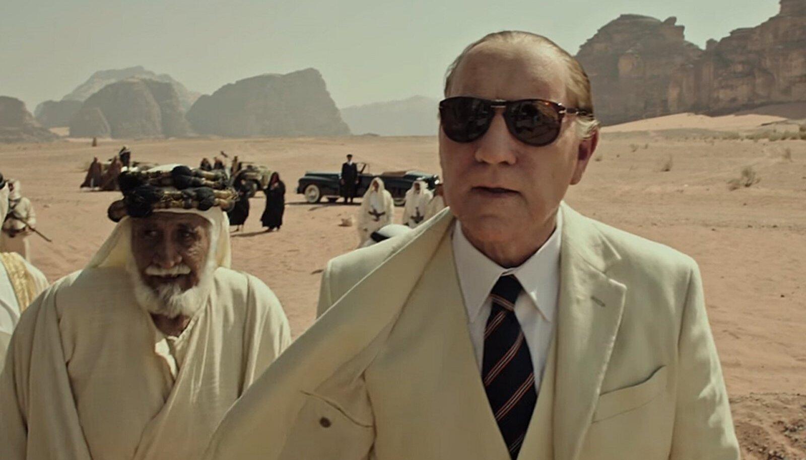 Kevin Spacey lõigati tema uuesti filmist välja ja asendati Christopher Plummeriga.