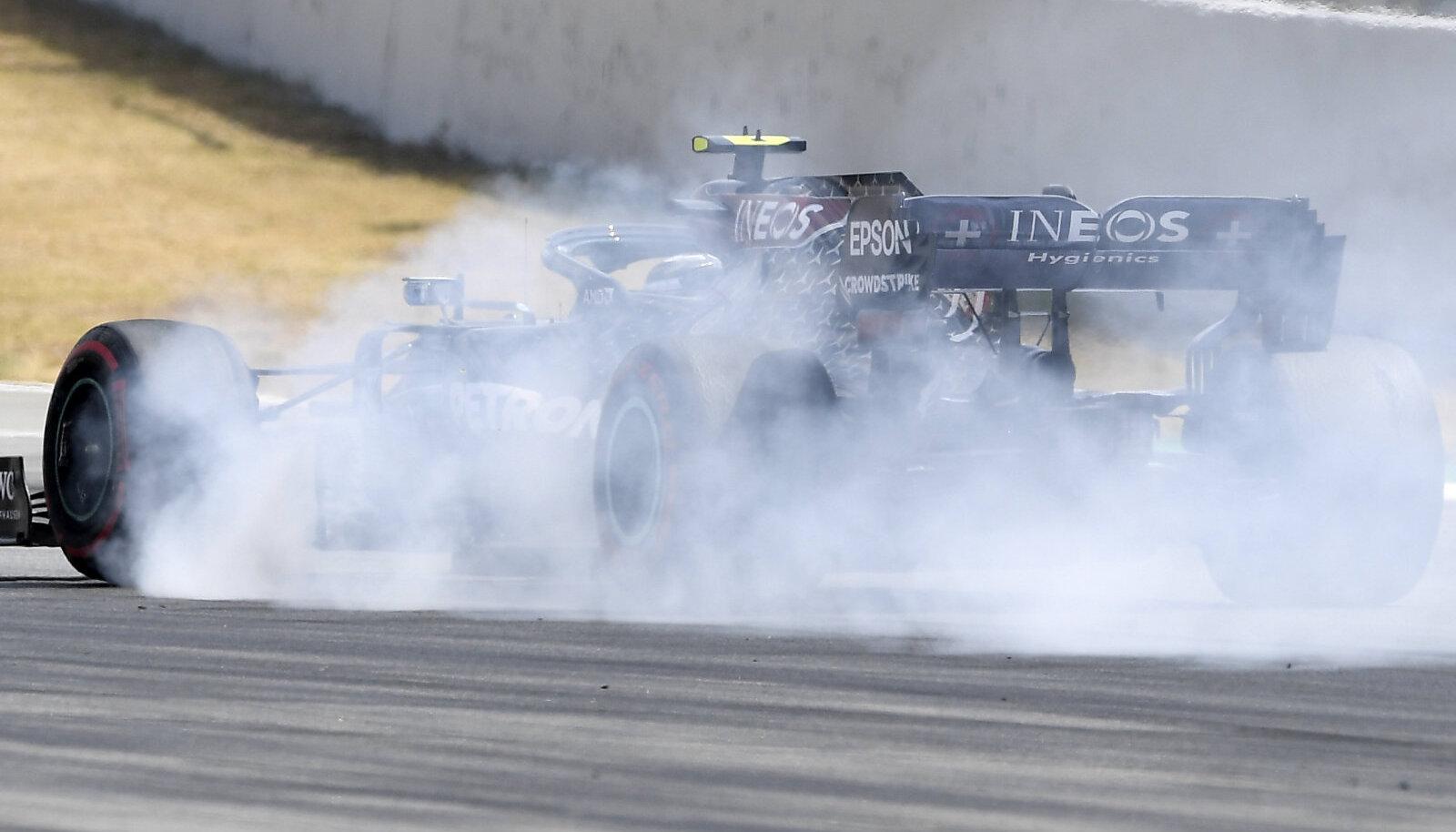 Valtteri Bottas Hispaania GP vabatreeningul pidurdamas.