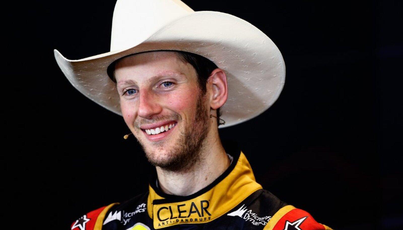 Romain Grosjean Austini etapi järel intervjuusid andmas.