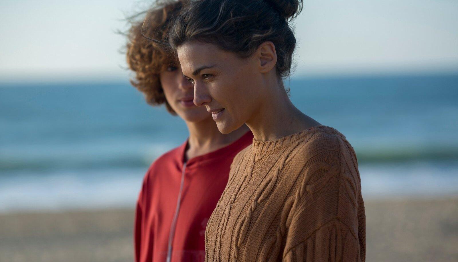 """Režissöör Rodrigo Sorogoyeni trilleri sugemetega draamas """"Ema"""" peaosalist Elenat mängiv Marta Nieto on oma rolli eest võitnud mitu väärikat auhinda."""