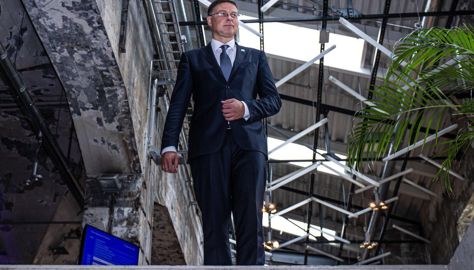 Valdis Dombrovskise sõnul eeldab Euroopa Komisjon, et EL-i majandus tervikuna jõuab kriisieelsele tasemele selle aasta neljandas kvartalis.