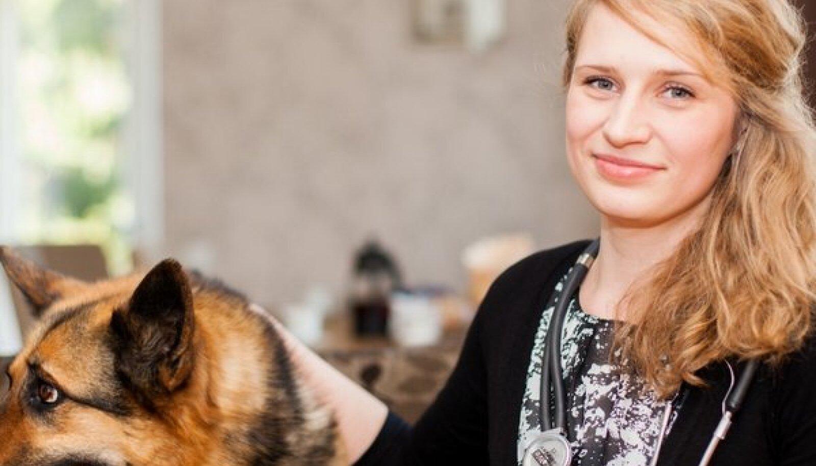 """Ehkki Maret Lepplaanel on koer Stella, kaks kassi ja suur armastus loomade vastu, veterinaar ta olla ei suudaks. """"Ma lihtsalt nutaks päevad läbi kannatavaid loomi vaadates,"""" ütles ta."""