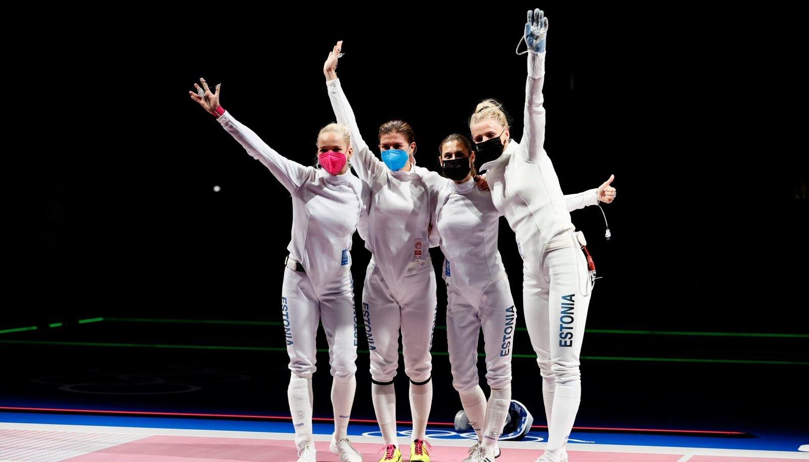 Eesti epeenaiskond tõusis Tokyos poodiumile. Irina Embrich (paremalt teine) tõusis Eesti kõige edukamaks sportlaseks.