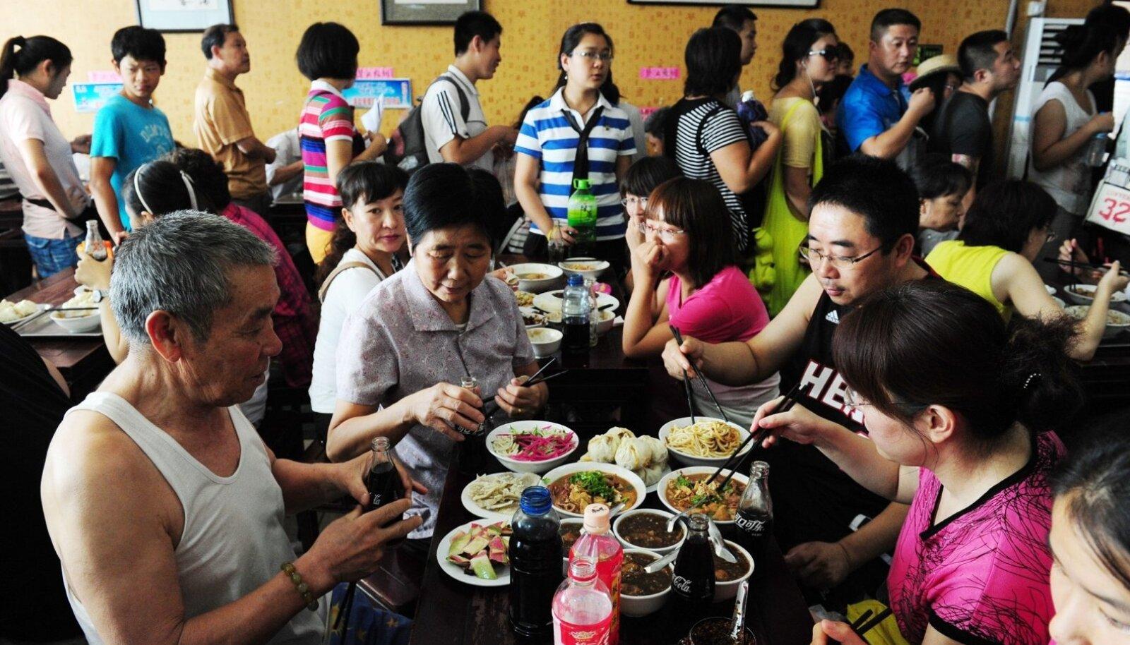 Alati ei ole vaja arvustustki. Selle pisikese Pekingi restorani populaarsus suurenes nelja aasta eest plahvatuslikult, kui seal käis einestamas USA asepresident Joe Biden.