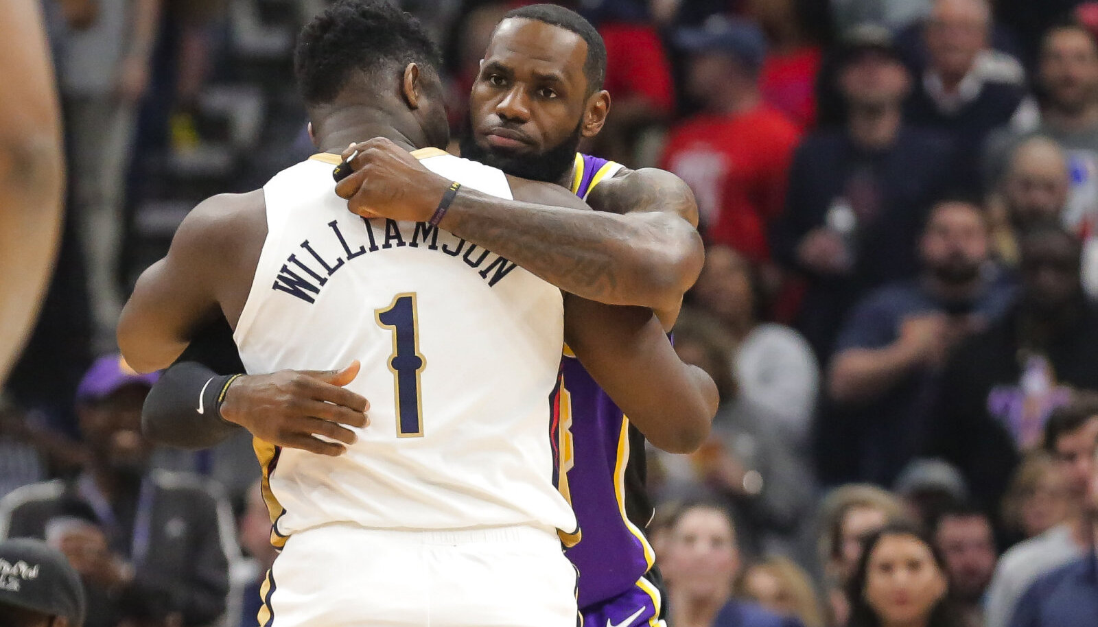 LeBron James ja Zion Williamson
