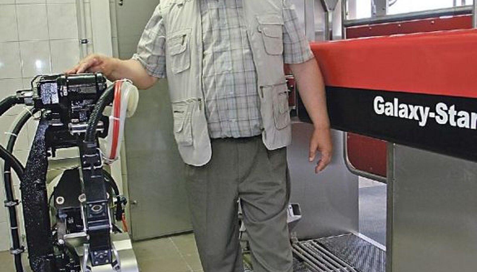 """Miiaste POÜ juht Uuno Paal robotlauda avamisel: """"Täna on minu päev!"""""""