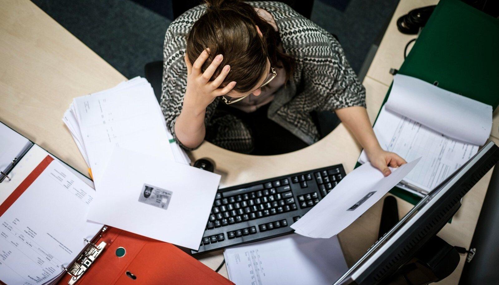 Ületöötamine ähvardab inimesi erinevates ametites.