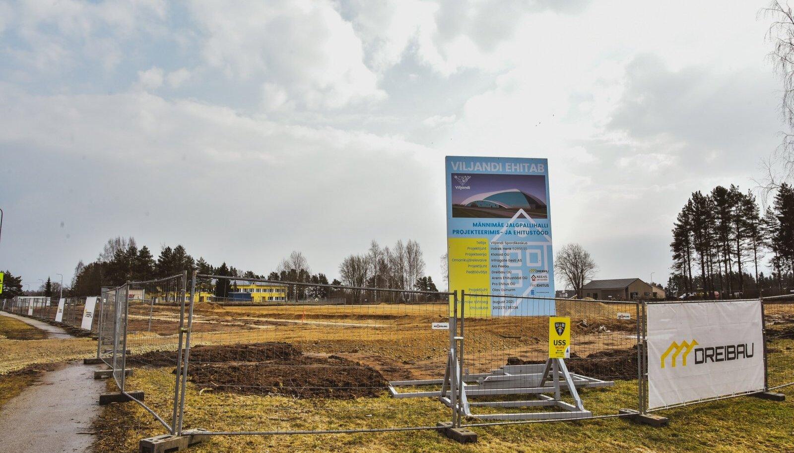 Viljandis valmib poole aasta pärast jalgpallihall