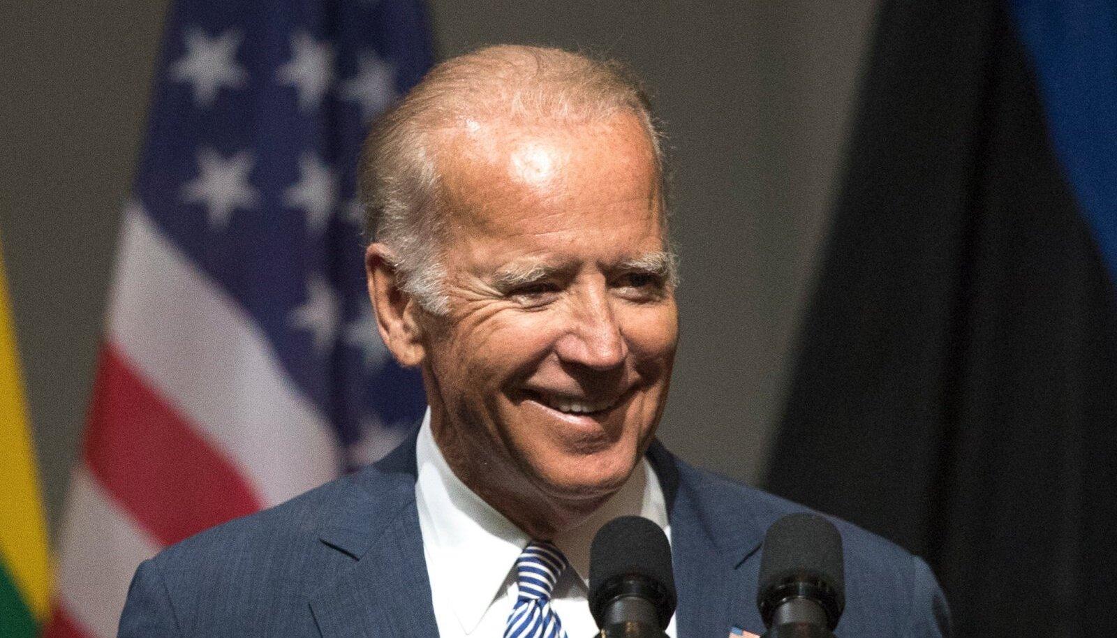 USA asepresident Joe Biden saabus Riiga