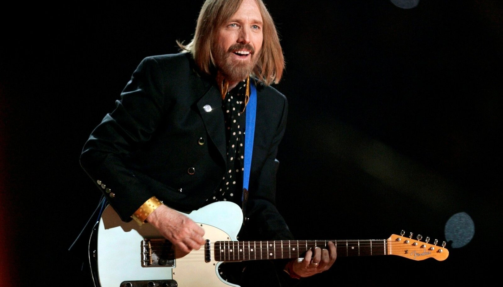 FILE PHOTO: Singer Tom Petty and the Heartbreakers perform during the half time show at Super Bowl XLII in Glendale