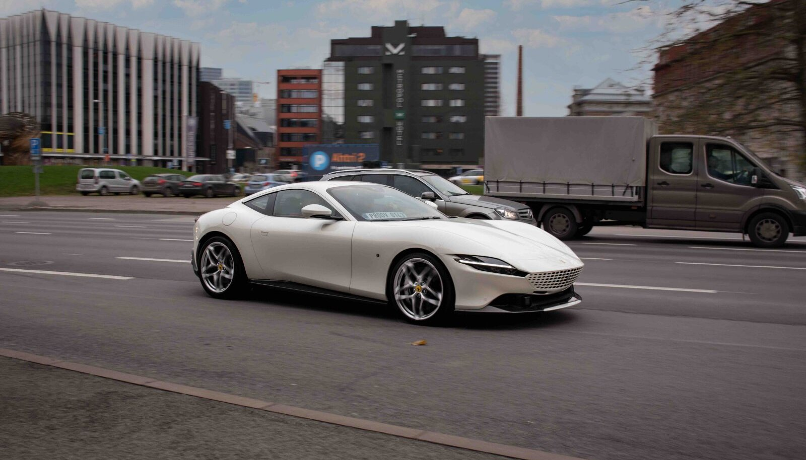 Ferrari Roma Tallinnas