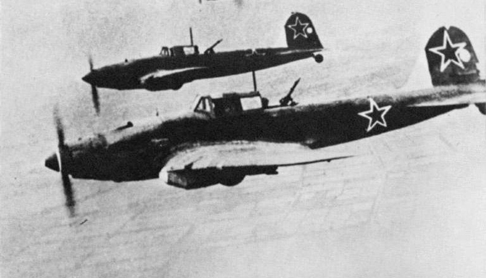 Nõukogude ründelennuk Il-2 (Šturmovik)