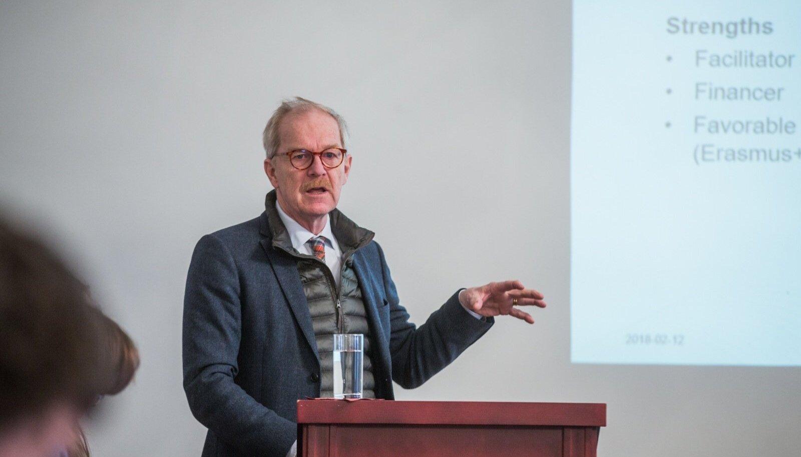 Professor Erik Amnå tõdes, et poliitilised kriisid pigem suurendavad noorte huvi poliitika ja ühiskonna vastu.