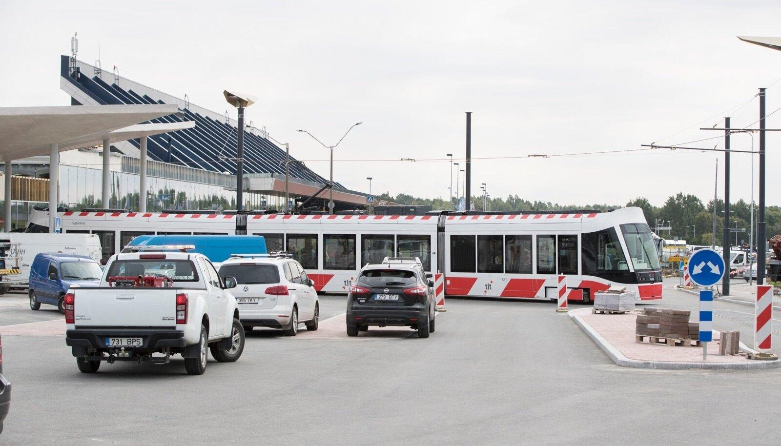 Uus trammiliin lennujaama