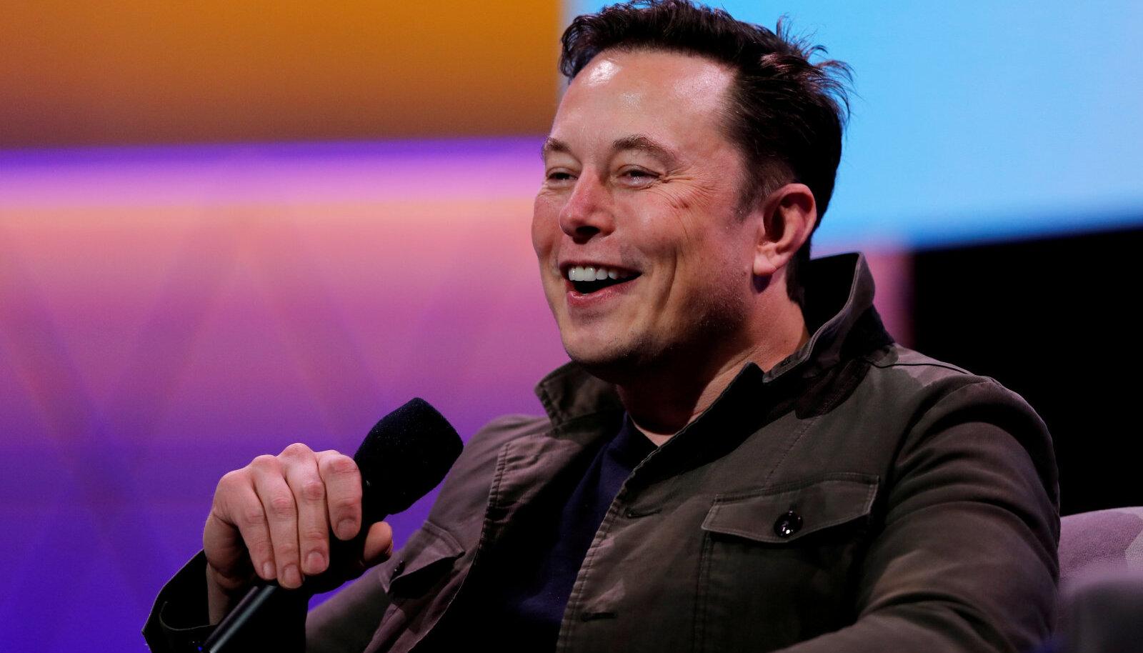 Hiinlaste uus rahvakangelane Elon Musk oma nerdy chic'i demonstreerimas (foto: REUTERS / Scanpix)