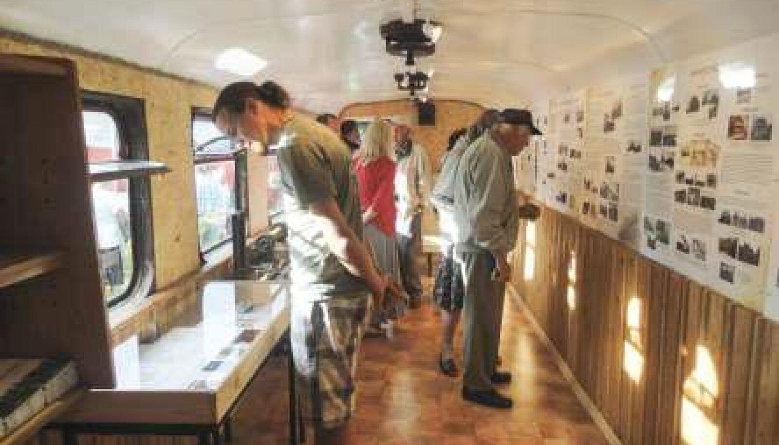 Avati Türi-Tamsalu kitsarööpmelist raudteed tutvustav muuseum-vagun -  Maaleht