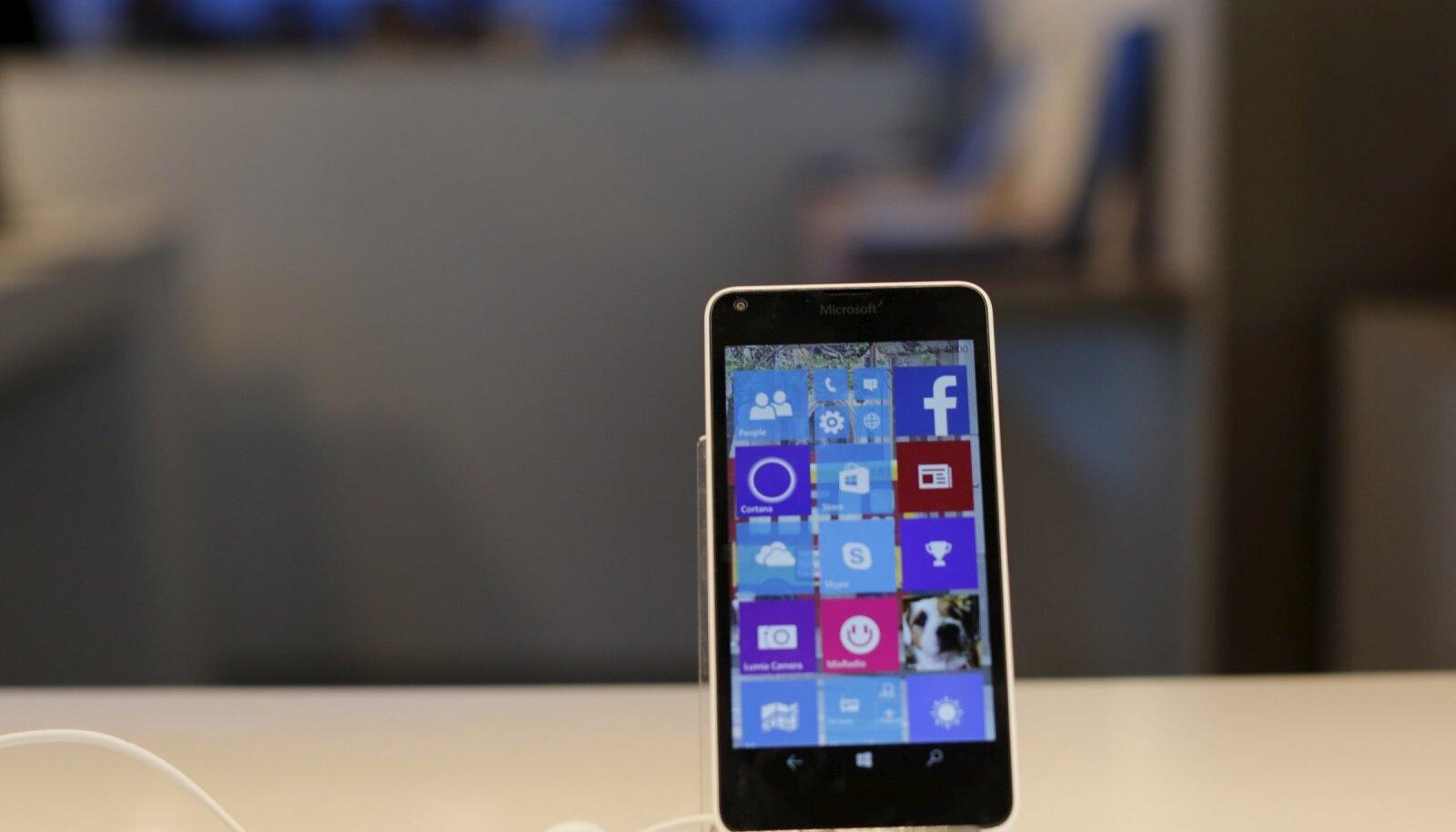 Illustreerival eesmärgil: Win 10 jooksutav Lumia telefon. (Foto: REUTERS)