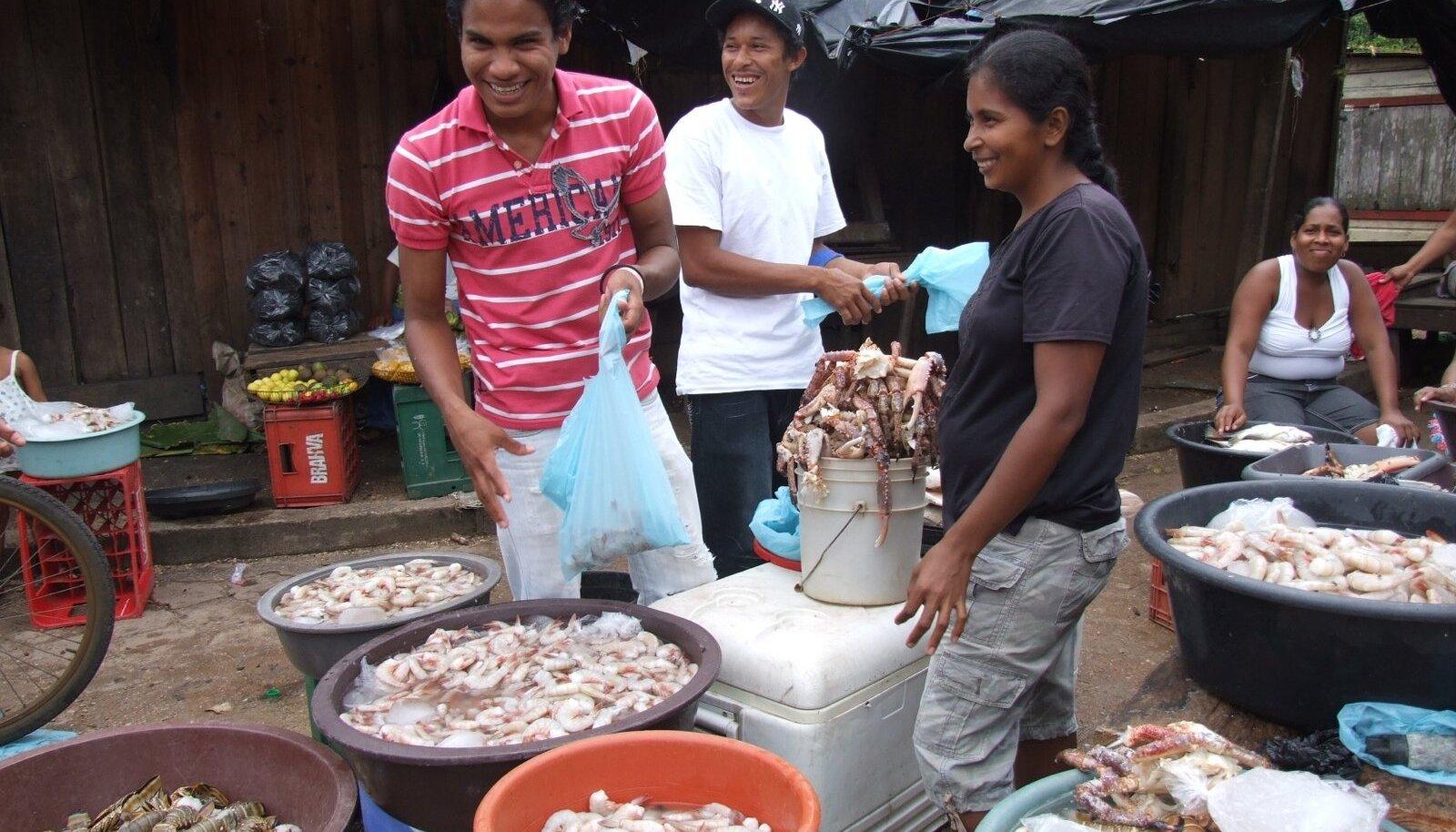 VIIMAKS OMETI: Krabid, homaarid, krevetid – vähemasti Nicaragua mereannid ei valmista pettumust!